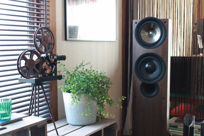 IMG 77061 【第3回】突撃! ワンルーム王子~築50年のアパートを活かした音楽と映画の家~