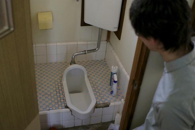 DSC003411 【突撃自宅訪問】下北沢で築50年!1K風呂なし物件に住む女性の都市型サバイバルライフ